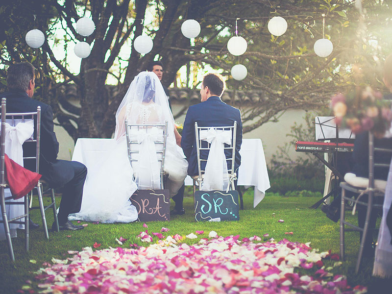 best chairs for weddings