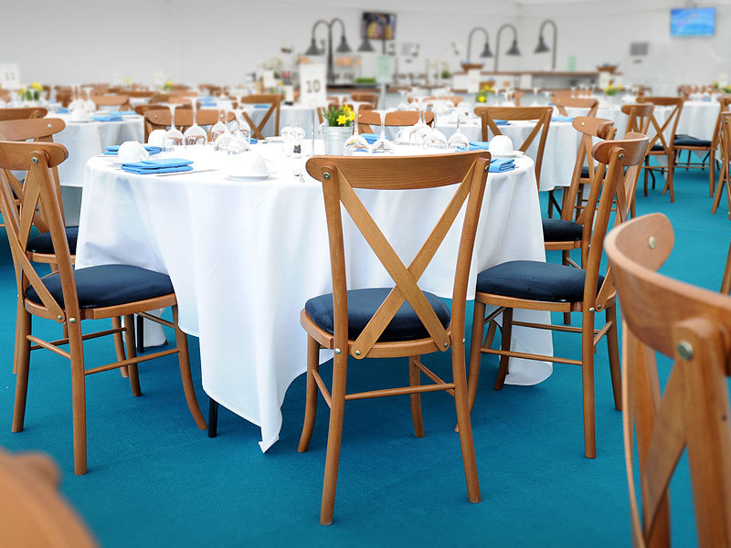 hire tables and chairs